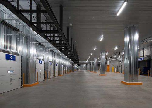 厚木低温物流センター1階の荷捌きエリア