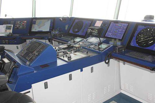 20181024nyk10 500x334 - 日本郵船/最新の情報統合型ブリッジと自動車専用船内部を初公開