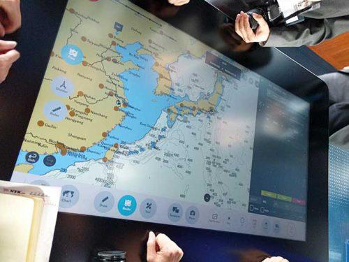 20181024nyk12 500x375 - 日本郵船/最新の情報統合型ブリッジと自動車専用船内部を初公開
