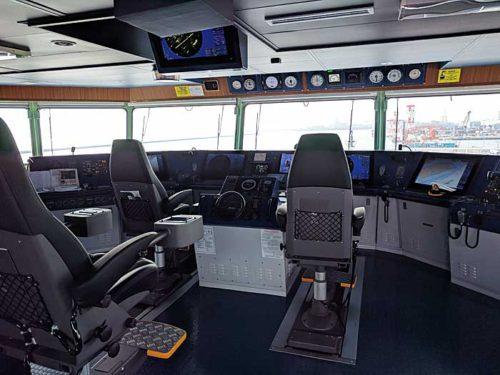 20181024nyk8 500x375 - 日本郵船/最新の情報統合型ブリッジと自動車専用船内部を初公開
