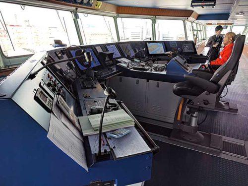 20181024nyk9 500x375 - 日本郵船/最新の情報統合型ブリッジと自動車専用船内部を初公開