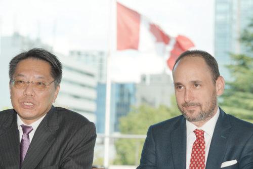家田社長(左)とカーリンスキーSVP