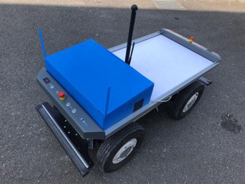 無人搬送車の「EffiBOT」に遠隔操作モジュールを搭載した状態
