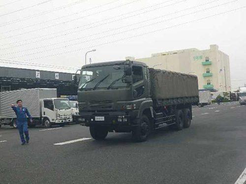自衛隊車両(先導車)の到着