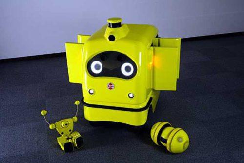 CarriRo DeliとZMPロボットの「nuvo」(左)と「miuro」(右)