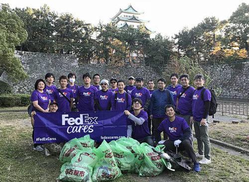 ボランティア活動に参加したフェデックス従業員