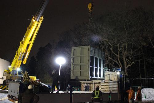 夜間のゾウ舎搬入(提供:札幌市円山動物園)