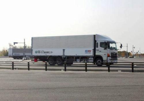 トラック運転競技の模様