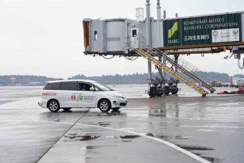 実証実験中の自動走行車両