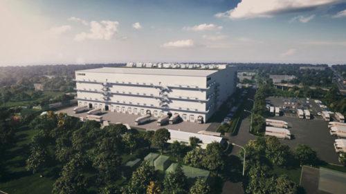 CMの一場面、医薬品に特化した新倉庫