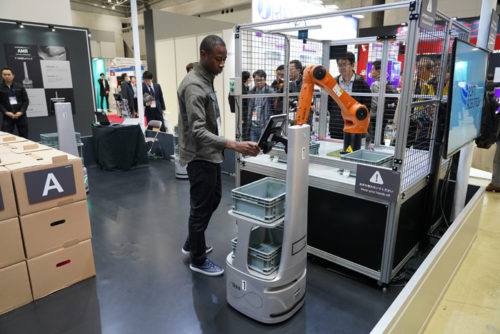 20190117ground2 500x334 - GROUND/ピッキングに2倍の生産性を持つ自律型協働ロボットをデモ