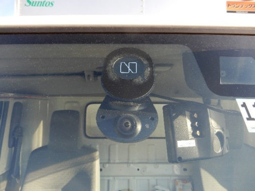 ナウト車載機(車外から撮影した画像)