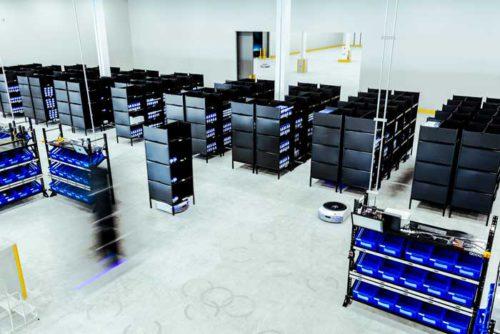 クラウドWMSとEVEによるピッキングシステムが連携した物流現場
