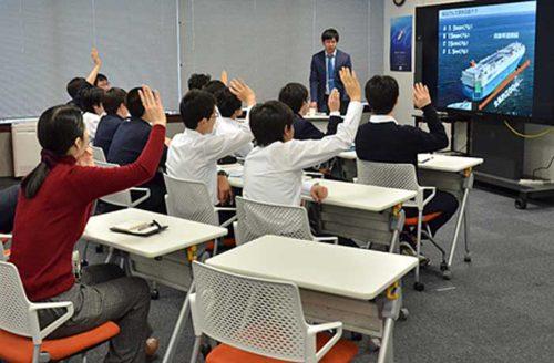20190225mol22 500x328 - 商船三井/駒場東邦中学校の学生に海運の魅力紹介