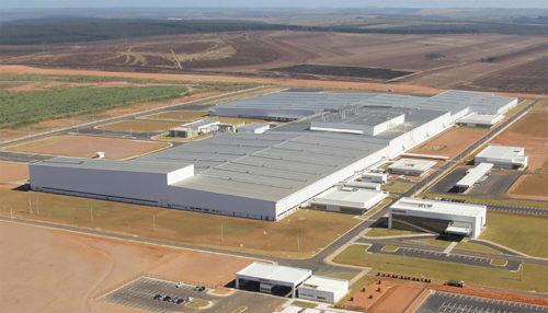 ブラジルの新四輪車工場