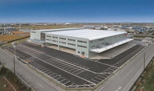 石川県白山市の若松梱包運輸倉庫の事業統括本部 4温度帯共同配送物流基地