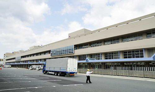 新東京郵便局の郵便棟