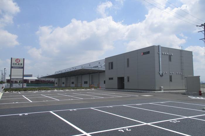 新倉庫外観