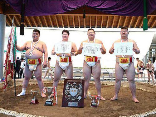 団体戦優勝を果たした日通相撲部員