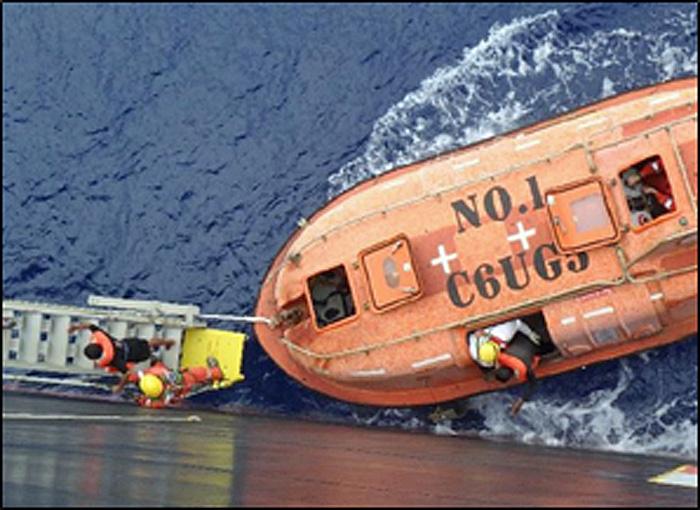 救助された漂流者