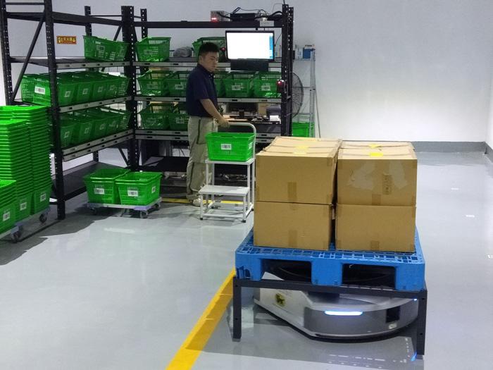 20190719yamato2 - ヤマトHD/中国でEC企業に自動搬送ロボット活用物流サービス提供