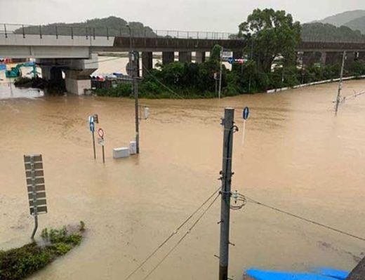20190828kyusyu2 520x399 - 九州北部大雨災害/高速道路通行止めなど物流に影響
