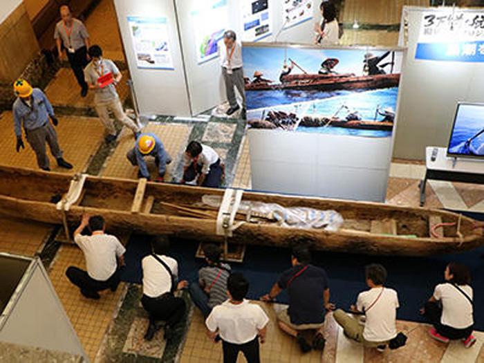 8月15日、科学博物館での展示作業