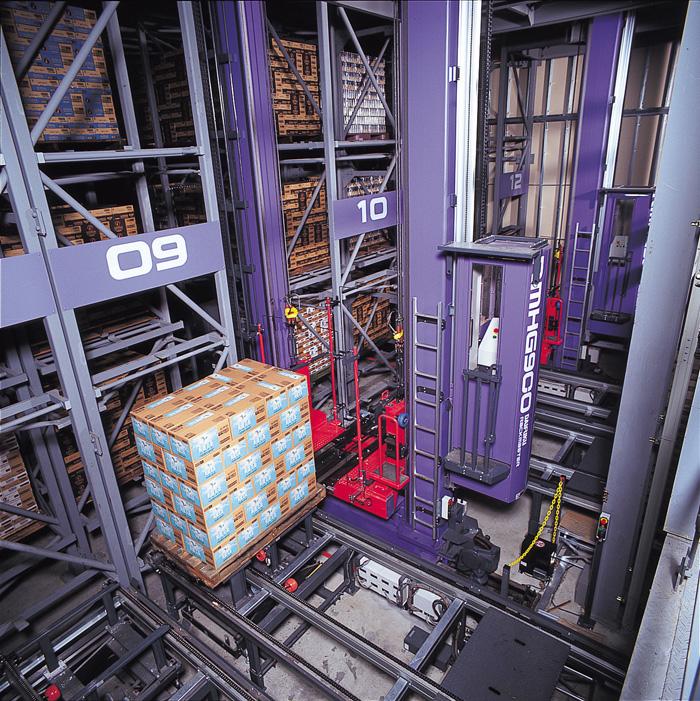 日本の飲料メーカーに納入したパレット自動倉庫