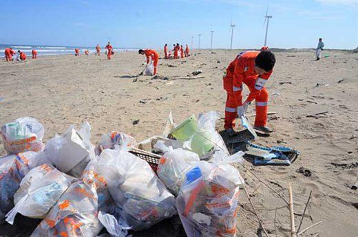 20191007mol 520x345 - 商船三井/茨城・鹿島灘海岸で清掃活動