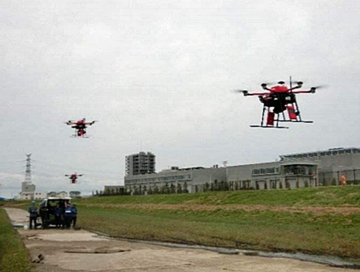 複数ドローンの飛行試験の様子