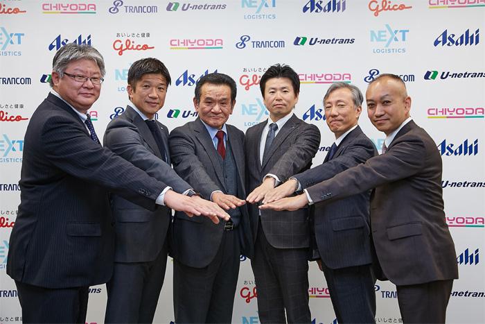 6社の代表たち