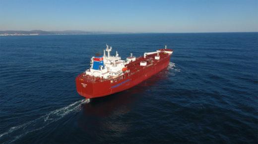 20191223iinokaiun2 520x290 - 飯野海運/2元燃料主機関搭載船新造メタノール船竣工