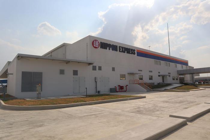 新倉庫の外観