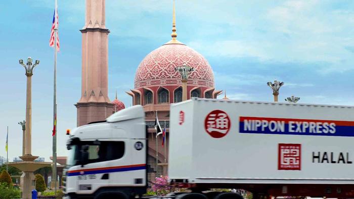 イスラム圏を走る日通のトラック