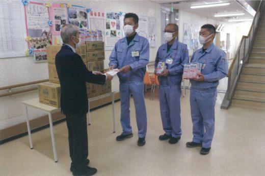 20200424ensyu 520x347 - 遠州トラック/福祉団体へマスクなど日用品を寄贈