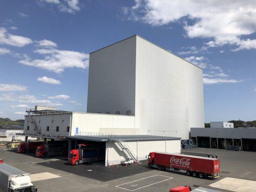 20200427cocacola 520x390 - コカ・コーラ/西日本豪雨で被災、広島の自動倉庫が最新技術で復旧