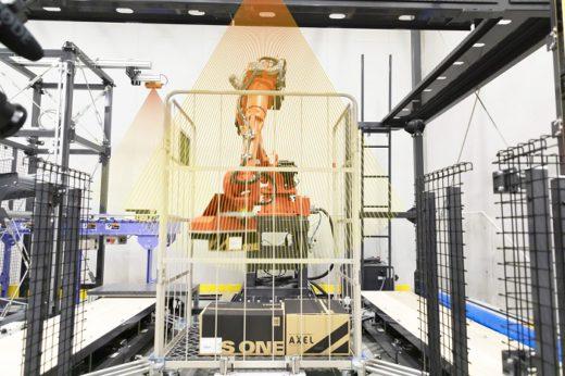 20200730mujin1 520x346 - MUJIN/アズワンの最先端物流センターでロボット4台が稼働