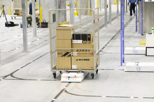 20200730mujin2 520x346 - MUJIN/アズワンの最先端物流センターでロボット4台が稼働