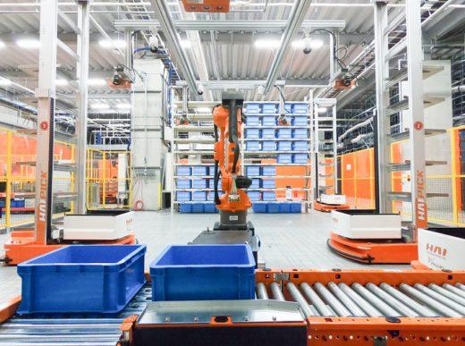 20200803mujin3 520x387 - MUJIN/物流関係者200人超来場、ロボットセンター内覧会
