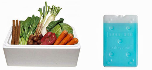 産地直送青果(左)とシャープ製の青果専用12℃の適温蓄冷材