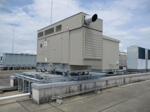中部ロジスティクスセンターの屋上に設置した非常用発電機