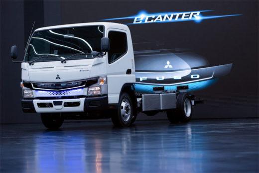20200820mftbc1 520x347 - 三菱ふそう/先進安全装置搭載の新型電気小型トラックを発表