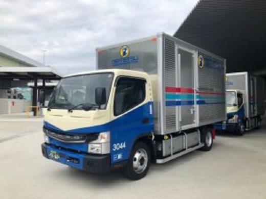 20200924fuso 520x390 - 三菱ふそう/名鉄運輸の新物流拠点にEV小型トラック5台納車