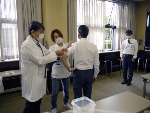 大垣本社での予防接種の様子