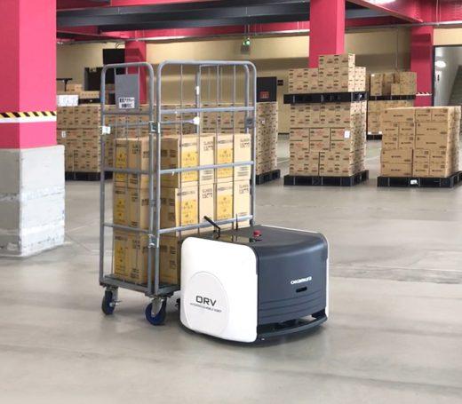 20201224okamura 520x455 - ビーイングHD/オカムラのカゴ車搬送ロボットを試験導入