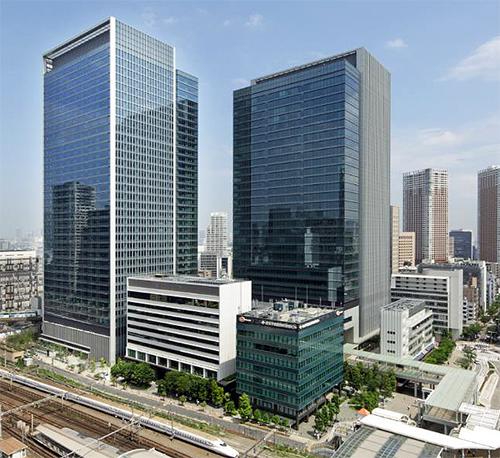 新本社を田町ステーションタワーNビル29階に(左)