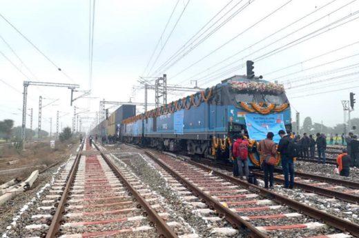 20210127india 520x345 - インド/世界初、海上コンテナ2段積み対応の貨物鉄道が開通
