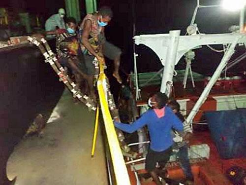 20210203inui2 - 乾汽船/運航中のばら積船がソロモン海で13名の人命を救助