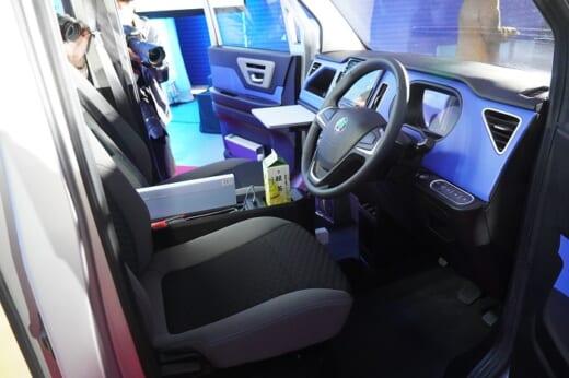 20210413sagawa5 520x346 - 佐川急便/宅配専用EVの試作車公開、2022年導入開始