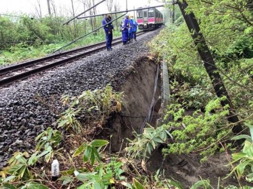 20210518jr1 520x388 - JR貨物/大雨で土砂流出、奥羽線一部区間で貨物列車運休